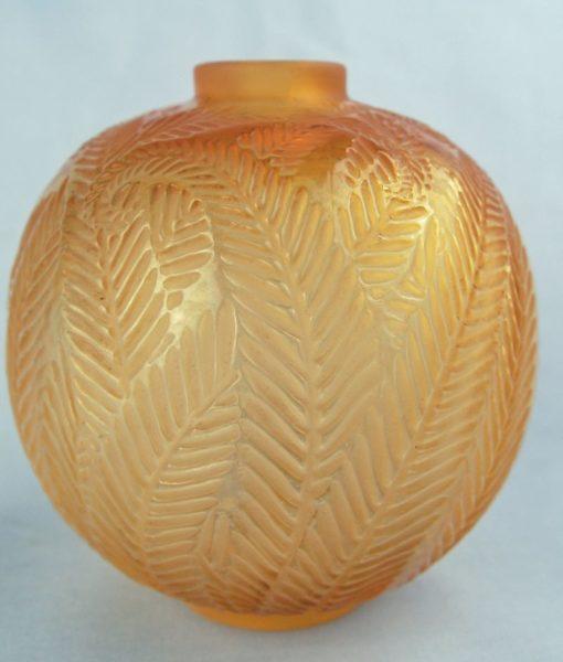 G572 Lalique palmes