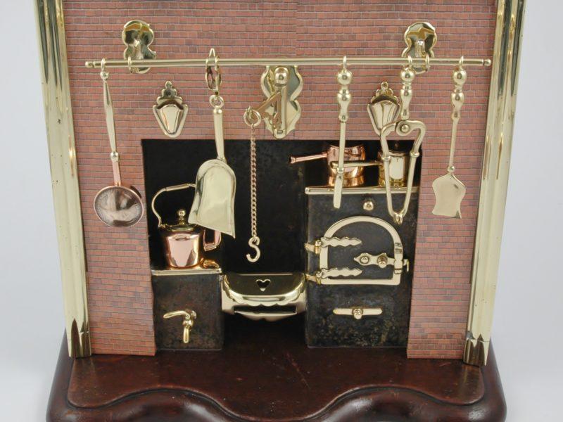 Puppenstuben & -häuser Dollhouse miniature working Art Nouveau gramophone